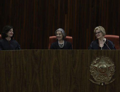 Rosa Weber toma posse no TSE com missão de comandar eleições