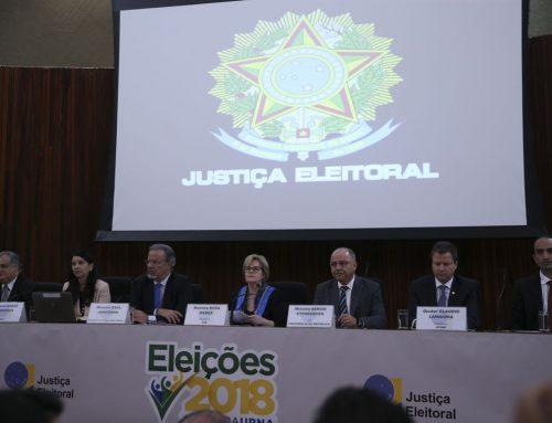 Ministra rebate Eduardo Bolsonaro e diz que instituições são sólidas